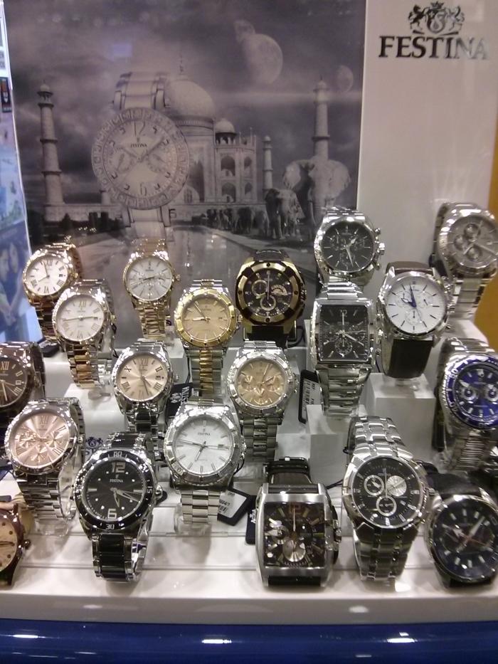 Relojes Festina, expositor en relojería joyería Molina
